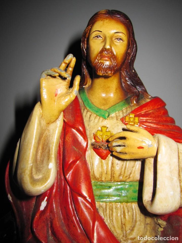 Arte: Antigua imagen figura Sagrado Corazón Jesús entronizado en trono sobre altar capilla madera - Foto 23 - 186402868