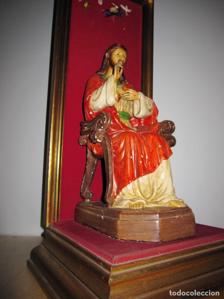 Arte: Antigua imagen figura Sagrado Corazón Jesús entronizado en trono sobre altar capilla madera - Foto 27 - 186402868