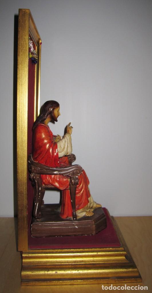 Arte: Antigua imagen figura Sagrado Corazón Jesús entronizado en trono sobre altar capilla madera - Foto 33 - 186402868