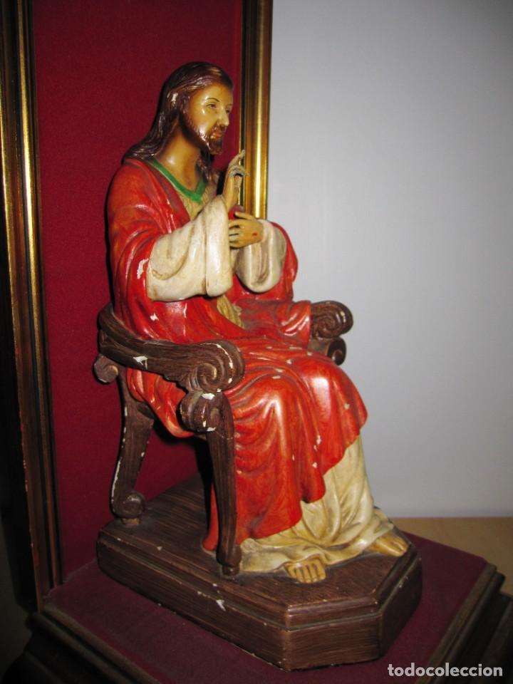 Arte: Antigua imagen figura Sagrado Corazón Jesús entronizado en trono sobre altar capilla madera - Foto 35 - 186402868