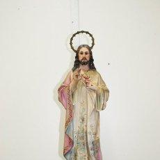 Arte: FIGURA RELIGIOSA ANTIGUA PASTA DE OLOT - SAGRADO CORAZÓN DE JESÚS. Lote 235732250