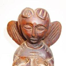 Arte: ANGEL TALLADO EN MADERA ESTILO ROMANICO, AÑOS 60, PARA VELITAS . Lote 189124802