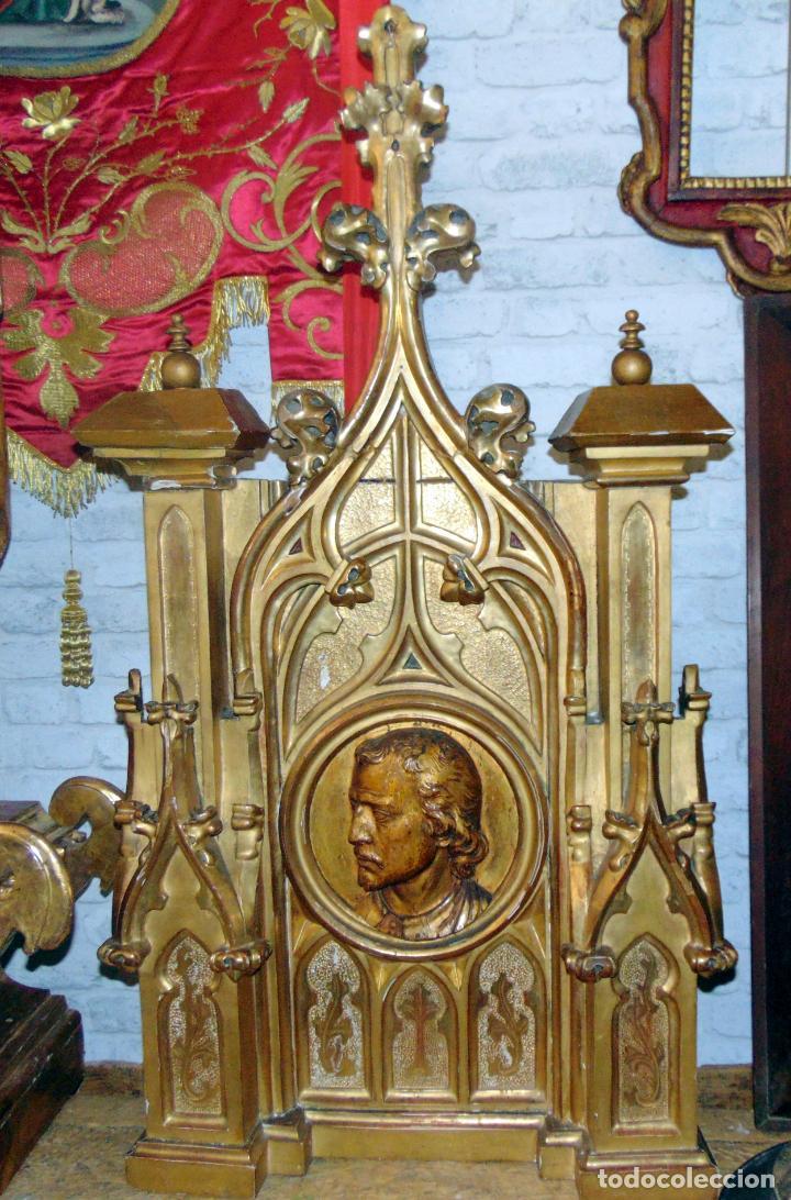 BONITO REMATE DE RETABLO NEOGOTICO, TALLA MADERA , PAN DE ORO,1,16 M DE ALTURA, VER FOTOS (Arte - Arte Religioso - Retablos)