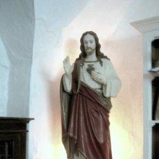 Arte: ANTIGUO Y BELLO CORAZON DE JESUS . 130 CM . ESTUCO POLICROMADO CON OJOS DE CRISTAL. Lote 174038052