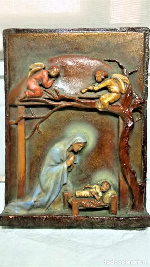 ANTIGUO BELEN,NACIMIENTO,PESEBRE Y ANUNCIACION AÑO 1900/20 DE PARED.ESTUCO PATINADO,ANGELES Y VIRGEN (Arte - Arte Religioso - Escultura)