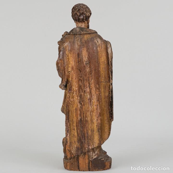 Arte: San Lucas - Escultura de bulto redondo en madera tallada y policromía. Siglo XVII - Foto 2 - 191039571