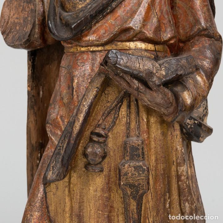 Arte: San Lucas - Escultura de bulto redondo en madera tallada y policromía. Siglo XVII - Foto 4 - 191039571
