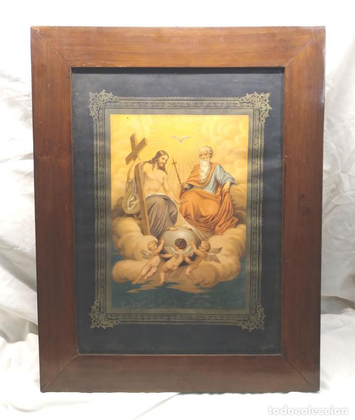 SANTISIMA TRINIDAD CROMOLITOGRAFIA CON MARCO DE CAOBA S XIX. MED. 48 X 62 CM (Arte - Arte Religioso - Litografías)