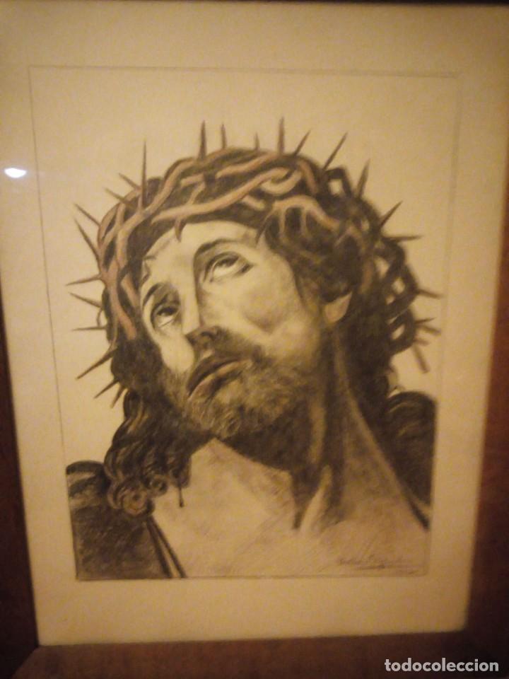 ANTIGUO CARBONCILLO IMAGEN DE JESUS CRISTO CON CORONA DE ESPINOS,FIRMADO Y DATADO 1932 (Arte - Arte Religioso - Pintura Religiosa - Otros)