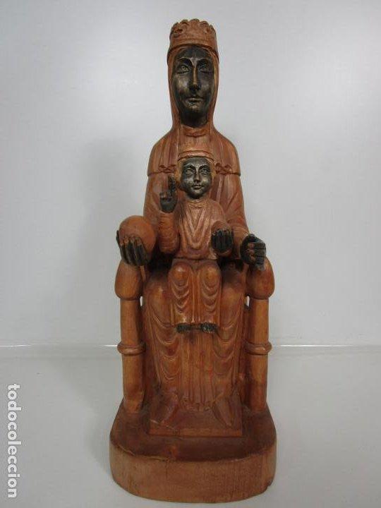 BONITA VIRGEN DE MONTSERRAT - TALLA DE MADERA POLICROMADA - 62 CM ALTURA (Arte - Arte Religioso - Escultura)