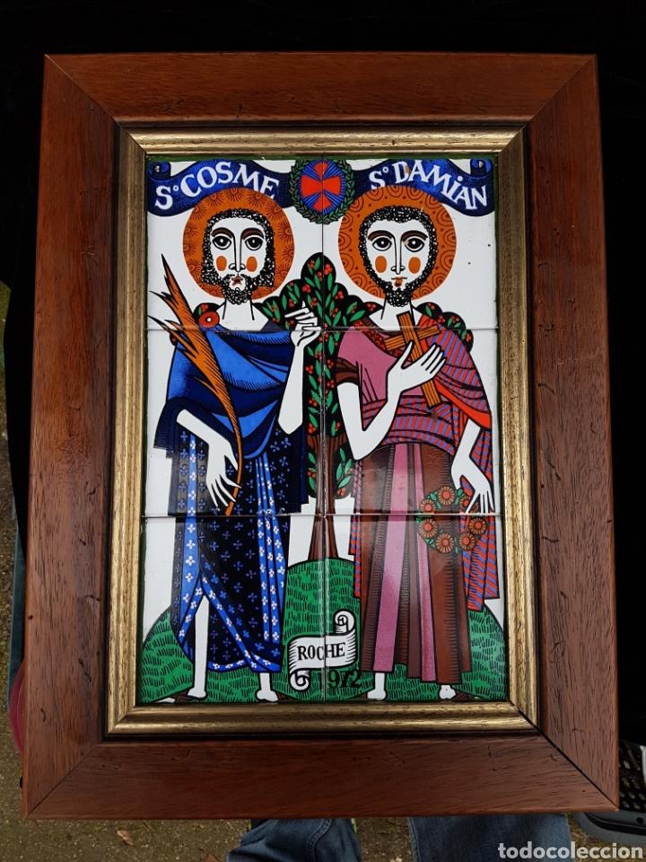 BONITO CUADRO DE ROCHE 1972 SAN COSME Y SAN DAMIAN DE CERAMICA ESMALTADO (Arte - Arte Religioso - Pintura Religiosa - Otros)