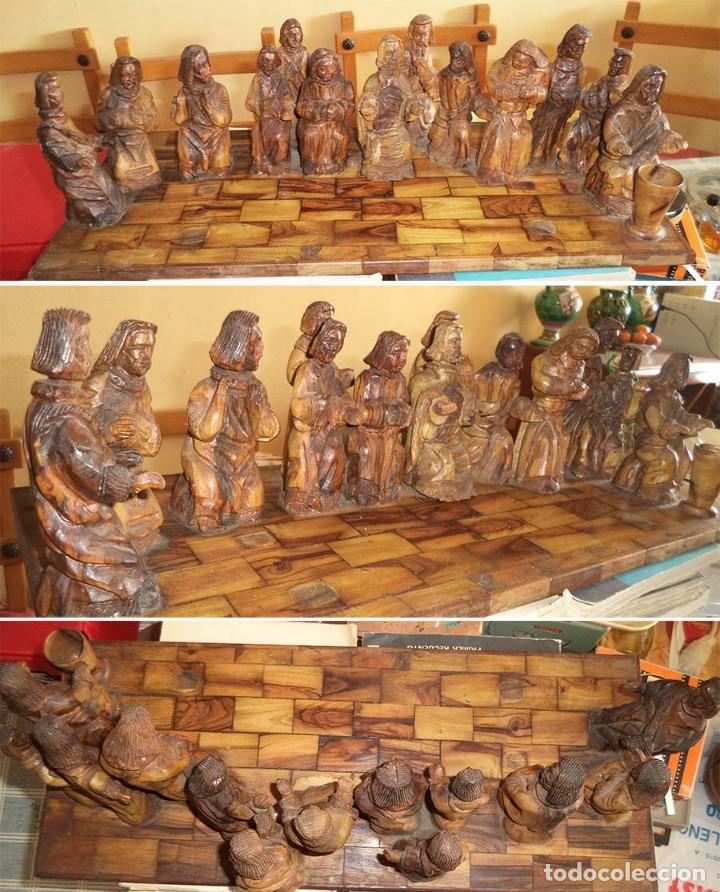 ANTIGUA TABLA CON LAS FIGURAS DE JESÚS Y LOS 12 APÓSTOLES TALLADOS ARTESANALMENTE EN MADERA OLIVO (Arte - Arte Religioso - Escultura)