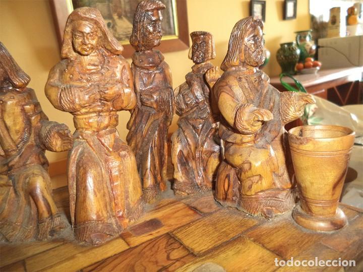 Arte: ANTIGUA TABLA CON LAS FIGURAS DE JESÚS Y LOS 12 APÓSTOLES TALLADOS ARTESANALMENTE EN MADERA OLIVO - Foto 6 - 194250096