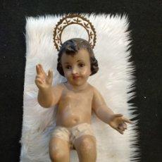 Arte: ESCULTURA NIÑO JESÚS DE YESO OJOS DE CRISTAL. POSIBLE OLOT???. Lote 194603775