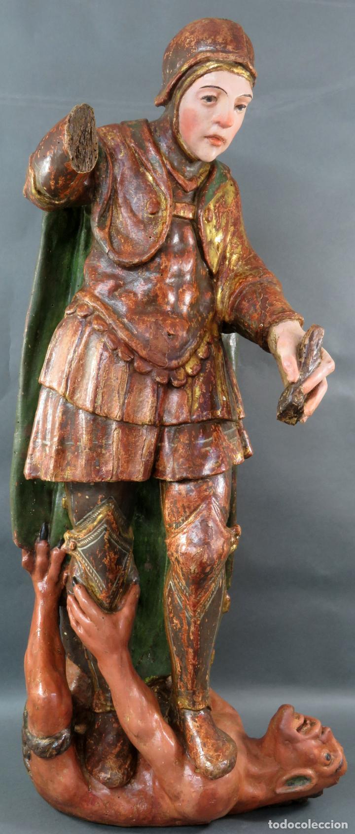 TALLA SAN MIGUEL EN MADERA TALLADA DORADA Y POLICROMADA ESCUELA CASTELLANA FINALES DEL SIGLO XVI (Arte - Arte Religioso - Escultura)