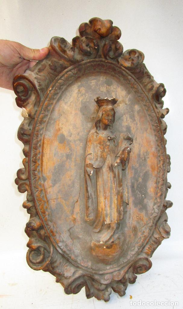 GRAN RETABLO EN PASTA DE MADERA VIRGEN MARIA SOBRE MADERA XIX (Arte - Arte Religioso - Escultura)
