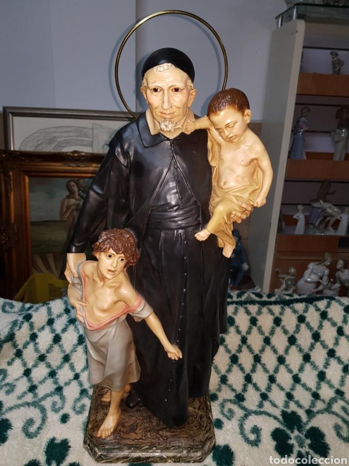 SAN VICENTE DE PAÚL, AÑOS 30 .OJOS DE CRISTAL , PASTA DE MADERA EN PERFECTO ESTADO. (Arte - Arte Religioso - Escultura)