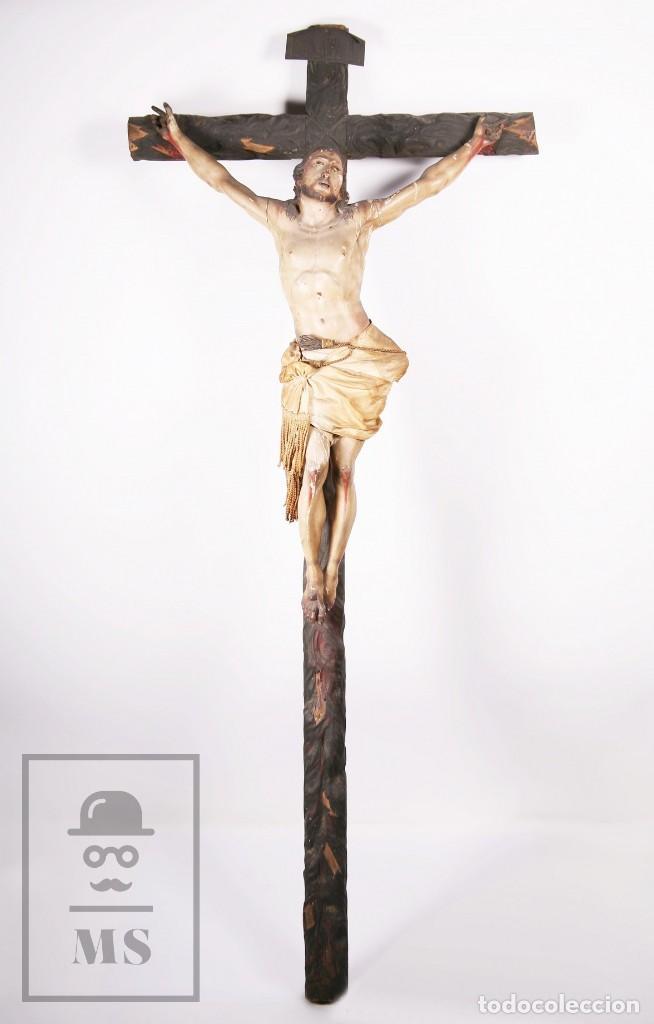 ANTIGUA ESCULTURA S. XIX / TALLA GRAN TAMAÑO MADERA POLICROMADA - CRISTO CRUCIFICADO - ALT. 121 CM (Arte - Arte Religioso - Escultura)