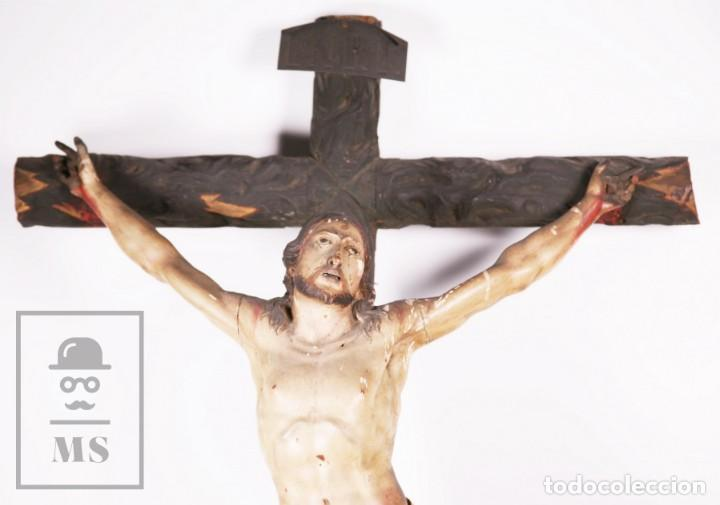 Arte: Antigua Escultura S. XIX / Talla Gran Tamaño Madera Policromada - Cristo Crucificado - Alt. 121 cm - Foto 3 - 195362583