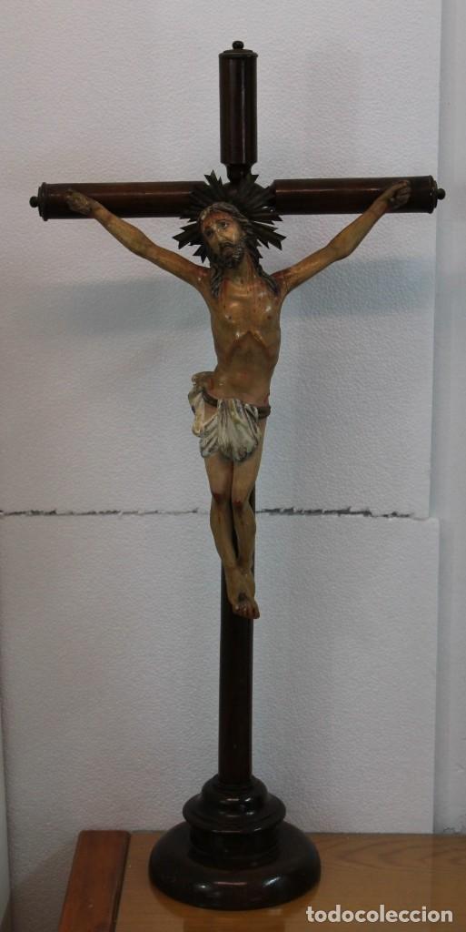 CRISTO CRUCIFIJO DE TALLA ISABELINO EN MADERA POLICROMADA A MANO DEL SIGLO XIX (Arte - Arte Religioso - Escultura)