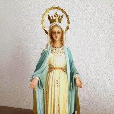 Arte: ANTIGUA, MUY BELLA Y BIEN CONSERVADA VIRGEN MILAGROSA, ESTUCO DE OLOT.. Lote 195383157