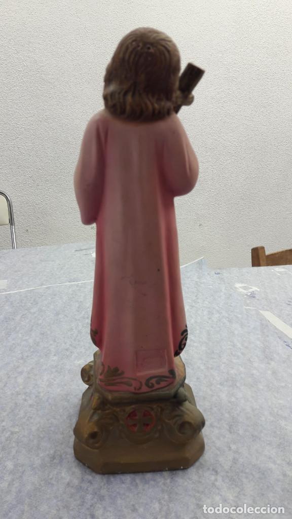 Arte: NIÑO JESÚS ABRAZANDO LA CRUZ. ESTUCO POLICROMADO. OLOT. AÑOS 50 - Foto 2 - 195428381