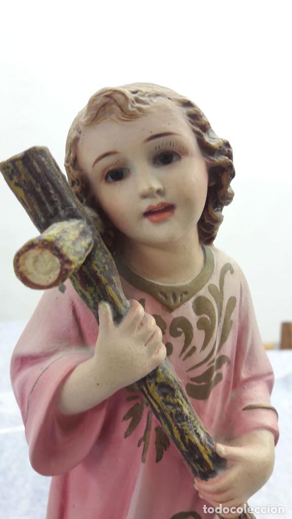 Arte: NIÑO JESÚS ABRAZANDO LA CRUZ. ESTUCO POLICROMADO. OLOT. AÑOS 50 - Foto 3 - 195428381