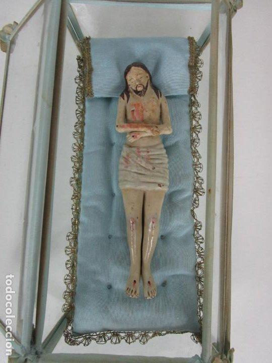Arte: Antiguo Cristo Yacente - Terracota Policromada - con Urna de Cristal - S. XIX - Foto 4 - 195927678