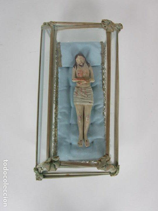 Arte: Antiguo Cristo Yacente - Terracota Policromada - con Urna de Cristal - S. XIX - Foto 12 - 195927678