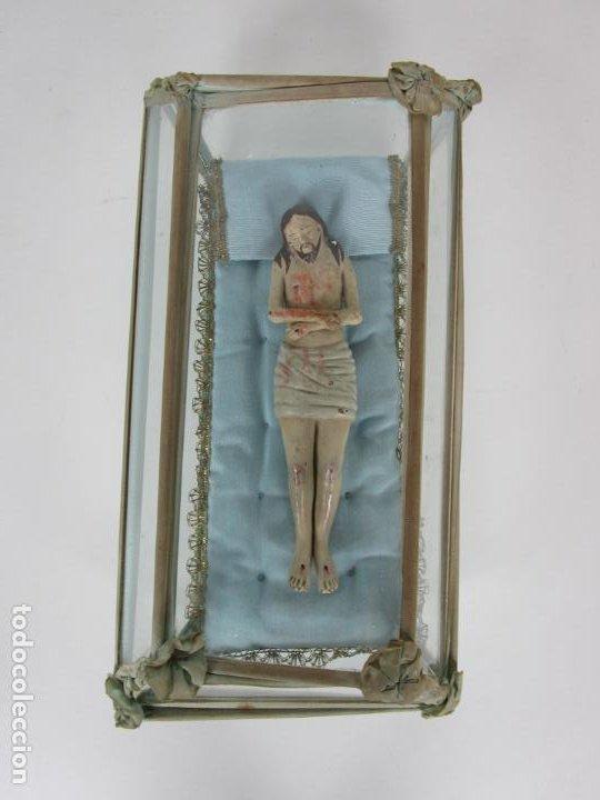 Arte: Antiguo Cristo Yacente - Terracota Policromada - con Urna de Cristal - S. XIX - Foto 15 - 195927678