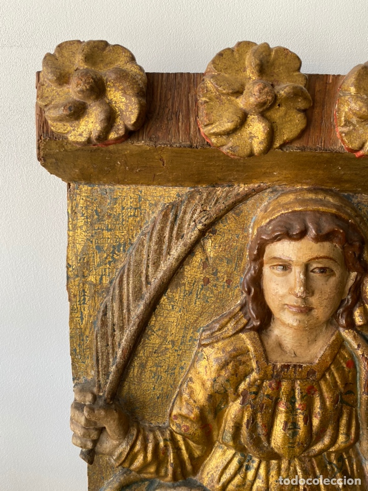 Arte: Retablo madera policromada siglo XVII , relieve Santa Lucía - Foto 4 - 196621257