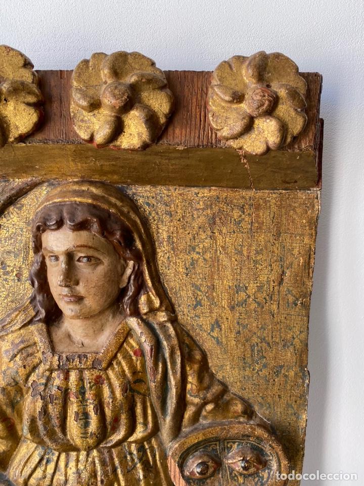 Arte: Retablo madera policromada siglo XVII , relieve Santa Lucía - Foto 7 - 196621257