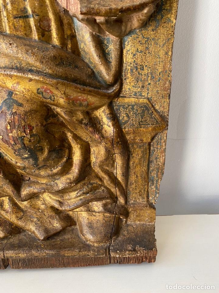 Arte: Retablo madera policromada siglo XVII , relieve Santa Lucía - Foto 8 - 196621257