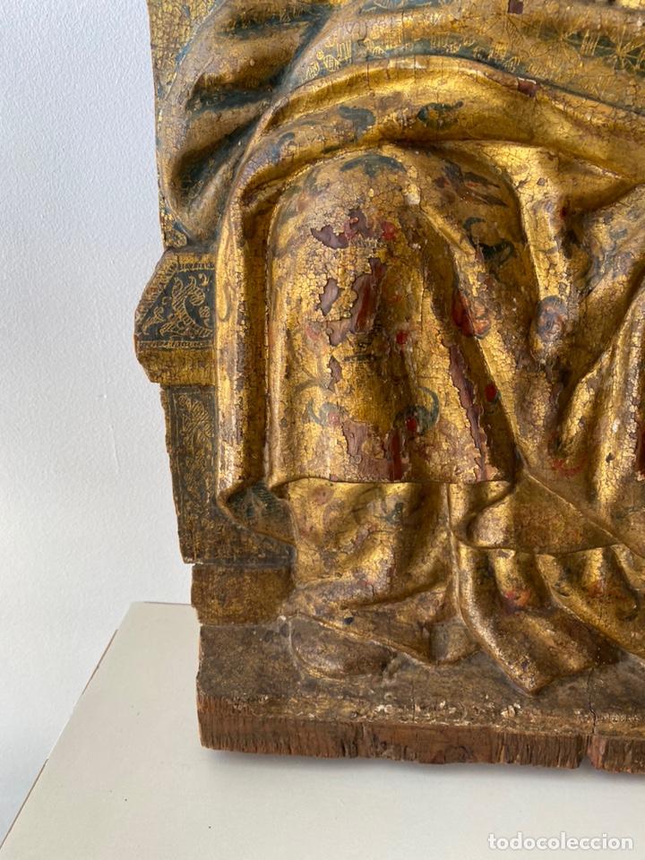 Arte: Retablo madera policromada siglo XVII , relieve Santa Lucía - Foto 9 - 196621257
