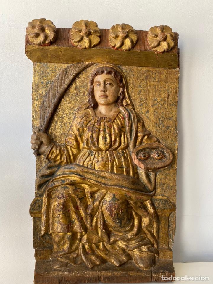 RETABLO MADERA POLICROMADA SIGLO XVII , RELIEVE SANTA LUCÍA (Arte - Arte Religioso - Retablos)