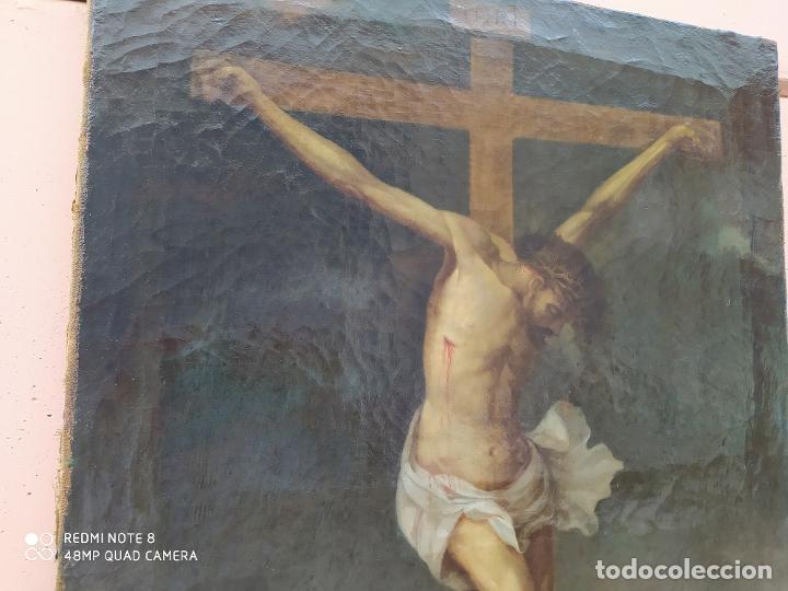 Arte: Óleo antiguo con la imagen de Cristo crucificado, del siglo XVllI, se encuentra en muy buen estado y - Foto 4 - 197095355