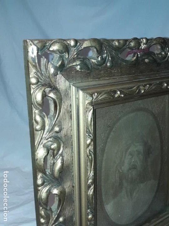 Arte: Precioso antiguo cuadro cuero repujado Jesús Cristo con bello marco madera con pan de oro años 20/30 - Foto 13 - 199643806