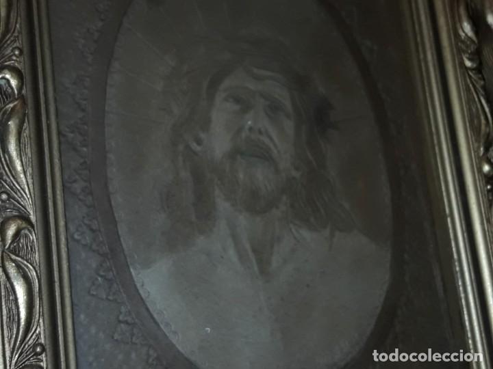Arte: Precioso antiguo cuadro cuero repujado Jesús Cristo con bello marco madera con pan de oro años 20/30 - Foto 19 - 199643806
