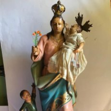 Arte: GRANDE Y ANTIGUA TALLA EN MADERA DEL SIGLO 18 - VIRGEN CON NIÑO JESUS Y UN HUERFANO. Lote 200156493