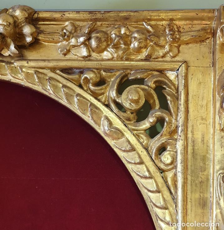 Arte: Precioso retablo barroco de madera tallada y dorada en oro fino. VER FOTOS. - Foto 3 - 201270703
