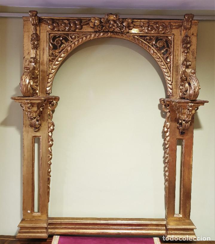 Arte: Precioso retablo barroco de madera tallada y dorada en oro fino. VER FOTOS. - Foto 8 - 201270703