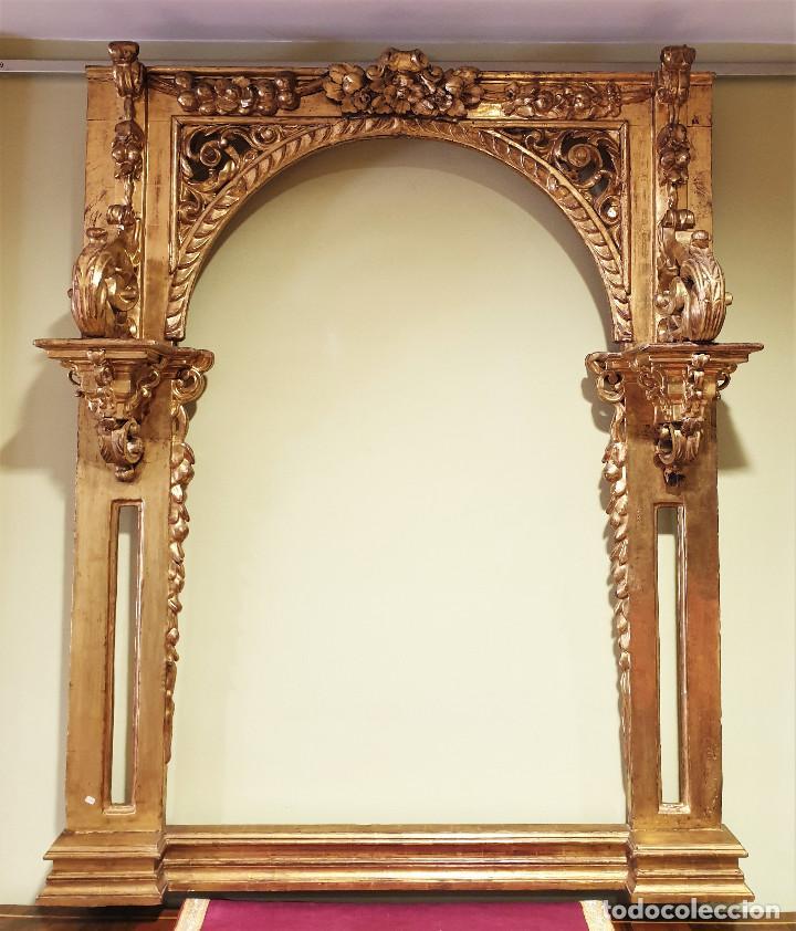 Arte: Precioso retablo barroco de madera tallada y dorada en oro fino. VER FOTOS. - Foto 2 - 201270703