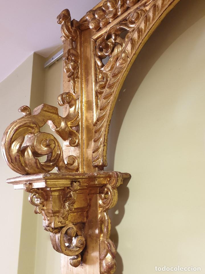 Arte: Precioso retablo barroco de madera tallada y dorada en oro fino. VER FOTOS. - Foto 9 - 201270703
