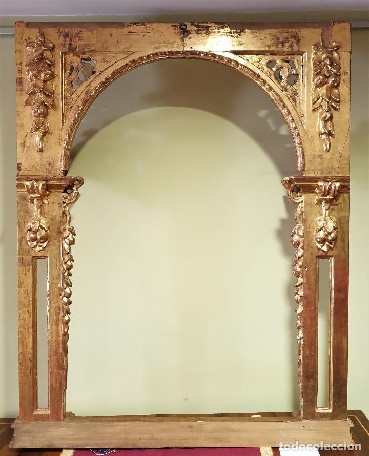 Arte: Precioso retablo barroco de madera tallada y dorada en oro fino. VER FOTOS. - Foto 14 - 201270703