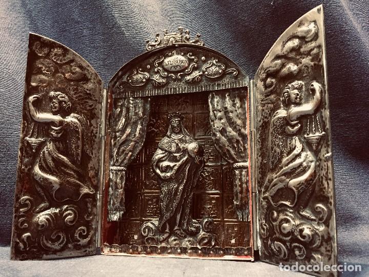 TRIPTICO METAL PLATEADO REPUJADO SAN FERNANDO METAL PLATEADO REPUJADO CORDOBA ARCANGELES 19X12X3CMS (Arte - Arte Religioso - Trípticos)
