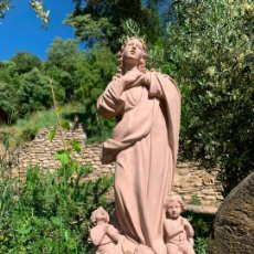 Arte: MARAVILLOSA VIRGEN INMACULADA CON ANGELES A SUS PIES, EN PASTA DE MADERA, DE OLOT. MIDE 62CMS ALTURA. Lote 205773063