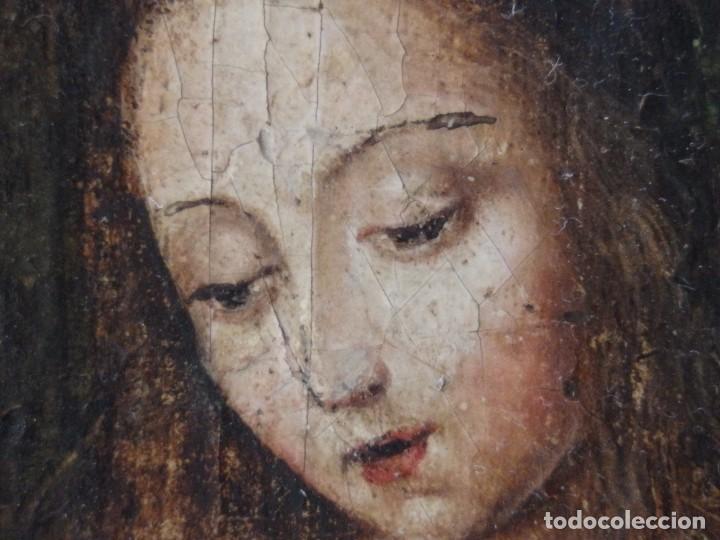 Arte: Virgen con Niño. Escuela Flamenca. Óleo sobre tabla del siglo XVI. - Foto 7 - 206832823
