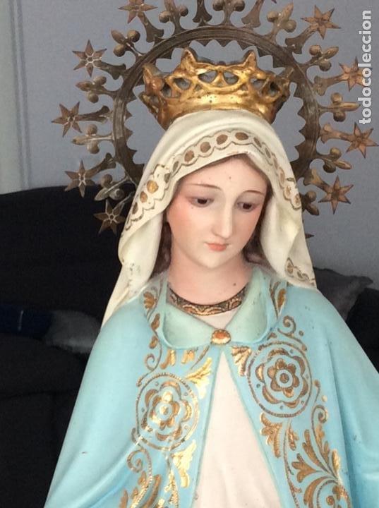 IMAGEN DE LA VIRGEN MILAGROSA SIGLO XIX O ANTERIOR. BELLÍSIMAS FACCIONES. OJOS DE CRISTAL (Arte - Arte Religioso - Escultura)