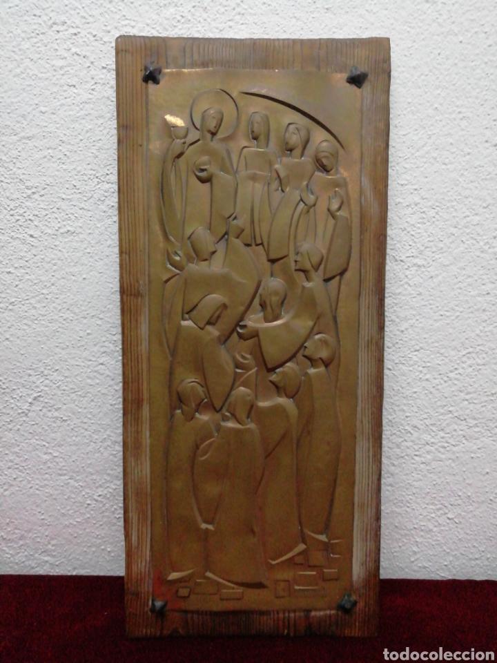 MADERA CON IMAGEN METALICA EN RELIEBE RELIGIOSA (Arte - Arte Religioso - Retablos)