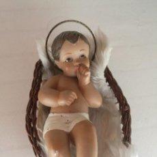 Arte: IMÁGEN NIÑO JESÚS CON CESTITA. OJOS CRISTAL. Lote 208109868